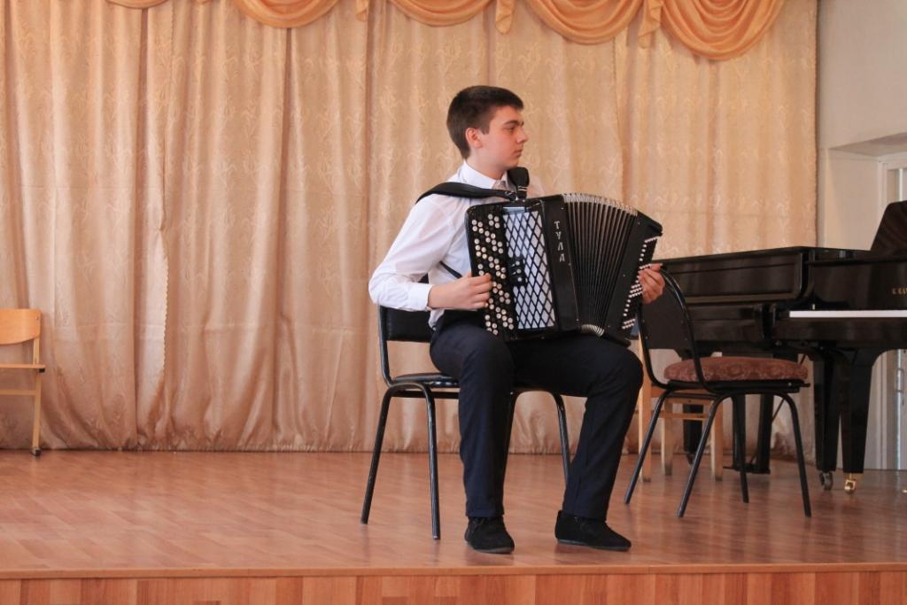 Конкурс молодых исполнителей на народны